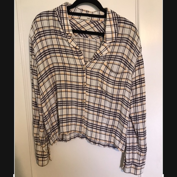 SOLD Aritzia Wilfred Free Button Down Blouse